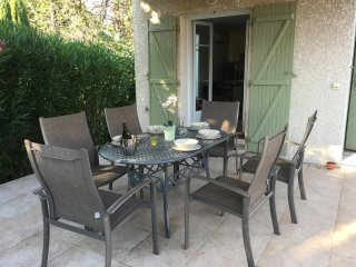 Lovely villa just outside the old city walls of stunning Aigues Mortes