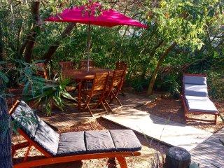 Casa corsa (maison corse) grand jardin, à 200m de la plage de Calvi