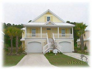Myrtle Beach - First Floor Apartment - Close to Ocean - Walk to Private Beach