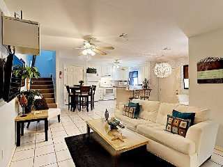 Elegant 2BR Duplex w/ Pool – Walk to Beach