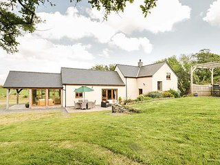 GLAN GORS, detached barn conversion, woodburner, ground floor bedroom, beautiful