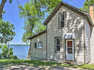 NEW! 2BR Big Stone City Cabin w/Lakefront Views!