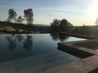 Rustic Tuscan Villa Surrounded by Olive Groves and Vineyards - Poggio dell'Arte
