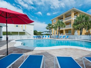 $349/nt Jun 17-24 ~ 5 BR Beach Home on Old River, Sunsets, Comm Pool, Boat Slip