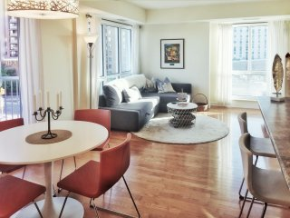 Luxury 2bd/2ba downtown Ottawa Condo (C)