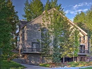 5BR Steamboat Springs Townhome - Ski-in/Ski-out Location!