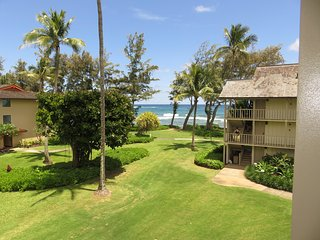 Kauai Kapaa #320 Ocean view condo Vacation Rental by owner oceanfront complex !