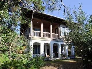 South of 30A - Community Pool! Walk to Beach! Close to Rosemary Beach!