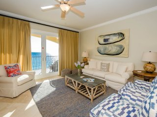 Beachfront Luxury Condo - Spacious Condo for Families - Two Community Pools!