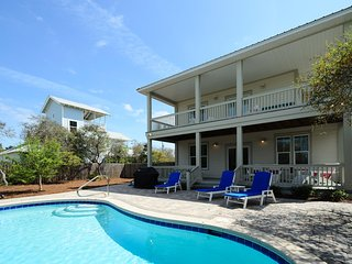Private Heated Pool! Short Walk to the Beach! Weber Grill and Gulf Views!