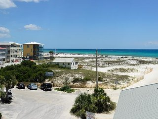 'Seas the Day' GULF VIEWS! Private Heated Pool! Close to Beach Access!