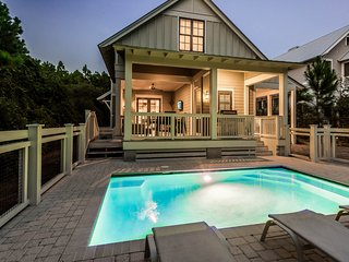 Private Heated Pool! 4 King Beds + Bunkroom! Parking for up to 7 Vehicles!