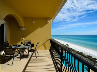 Spacious Luxury Gulf Front Condo with Private Balcony! Sports TV Package!