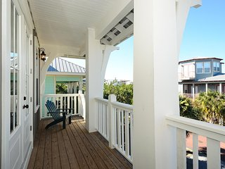 Steps To Rosemary Beach! Media room! Ice maker! Beach Shuttle!