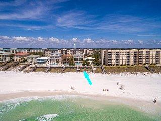 'Casa Grande' - Beach Front - Private Pool - Pool Table - Elevator