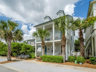 2 Master Suites! Community Pool! Walk to Beach, Shopping & Dining!