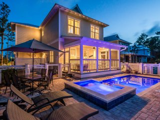 Private Pool! Crossing District - Close to bike path and Publix!