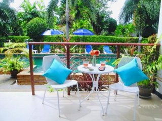 Nai Harn : 1 bedroom apartment close to the beach