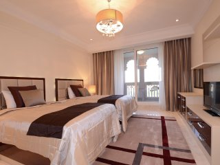 Palm Jumeirah Two Bedroom Grandeur Residences