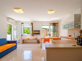 Splitska Apartment Sinisa ****