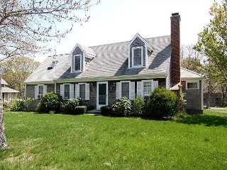 Spacious 4BR, 4.5BA South Chatham Home w/3-Season Room, Near Forest Beach
