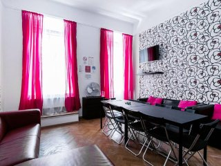 6ROOM 14BED 3BATH★STAG★HEN★PUB-CRAWL OLDTOWN★FREE BREAKFAST