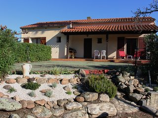 Le Palmier Villa in Sorede, garden, wifi & parking