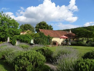 La Grange, Holiday Cottage with free pitch&putt