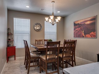 Family Favorite! Fully equipped kitchen, 3 bed  with 2 living rooms!