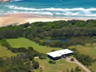 COFFS HARBOUR - Marlowe House (whole) (A)