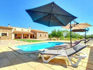 Country house in Algaida for 6 people, Mallorca, 3 rooms,  Private pool. BBQ WIF