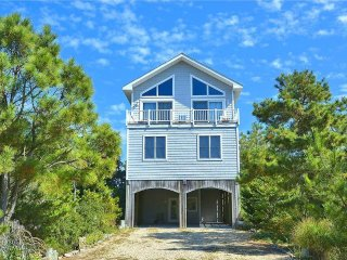 Wonderful, oceanfront 6 bedroom, 6 bath home with terrific views of the ocean & the coastline.