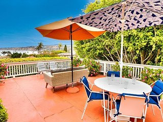 Charming Home, Ocean Views, Walk to Beach, Shops & Restaurants!
