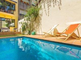 Amazing Pool House In Gracia