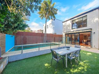 4 bedroom family home in Rose Bay