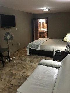 Casa Mendieta 1 Private Master Suite $18 per night