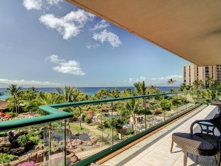 Luxury condo in oceanfront resort w/ marvelous views, resort pools & hot tubs!