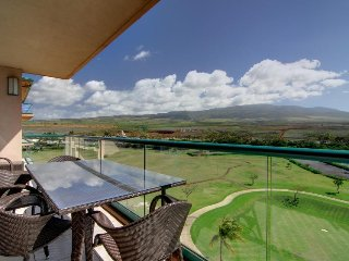 Getaway with amazing mountain views, oceanfront resort, pools, hot tubs & gym!
