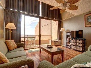Kahana Villa E610 - Ocean views w/ beach access, resort pool, hot tub, & more