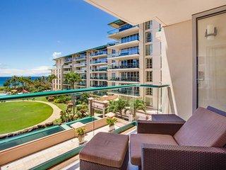 Spacious, upscale retreat w/ glorious ocean views, lanai & resort pools/hot tubs