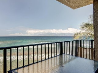Kaanapali Shores 461 w/ private lanai, resort pool, hot tub, & beach access