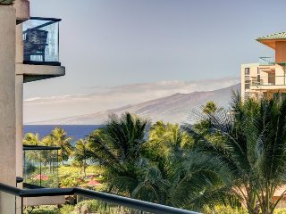 Honua Kai - Hokulani 438 w/ partial ocean views, balcony, resort pools/hot tubs!