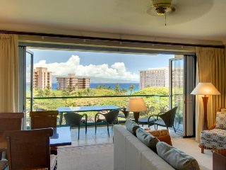 Honua Kai - Konea 738 w/ ocean views, soaking tub, resort pools & hot tubs!