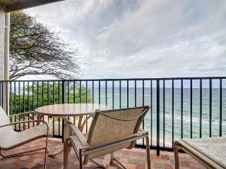 Kaanapali Shores 361 w/ spacious lanai plus resort pool & hot tubs