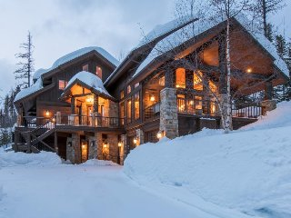 Gorgeous chateau w/true ski-in/ski-out access and a private hot tub!