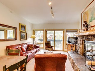 Welcoming two-story Big Sky Resort condo with fireplace: walk to ski lifts!