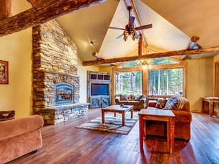 Ski-in/ski-out on Big Mountain w/ gourmet kitchen, amazing views, & hot tub