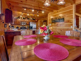 Family-friendly cabin with 2 private hot tubs, Jacuzzi tub in master, & views!