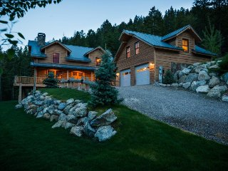 Dramatic Montana lodge w/ gourmet kitchen, home theater, and private studio