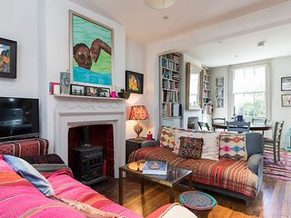Artist's quirky 2 bed home in vibrant East London
